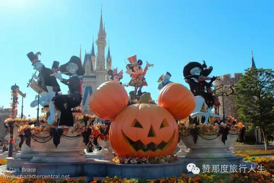 探险乐园,西部乐园,动物天地,梦幻乐园,卡通城及明日乐园7个主题区域