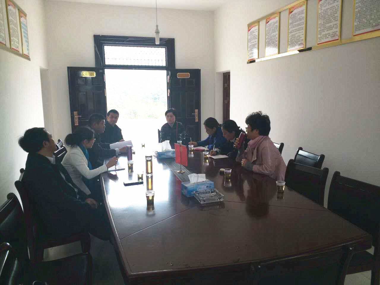 市妇联主席洪碧霞率队来到北山乡素仙村指导扶贫工作
