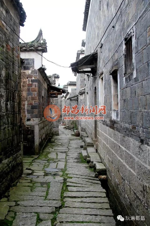 当日下午,湖口游客还前往了鹤舍古村和老爷庙景区游玩.